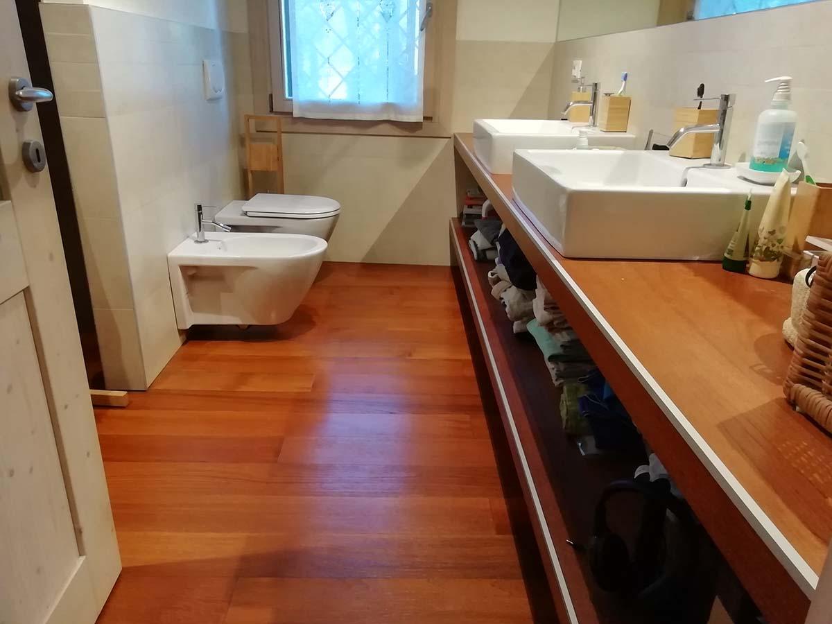 Falegnameria la Piave mensola bagno